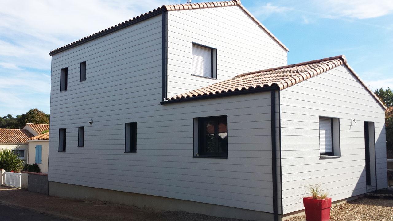 Fabricant constructeur maison bois en vend e ossature bois extensions bois sur l vation de for Construction maison en bois vendee